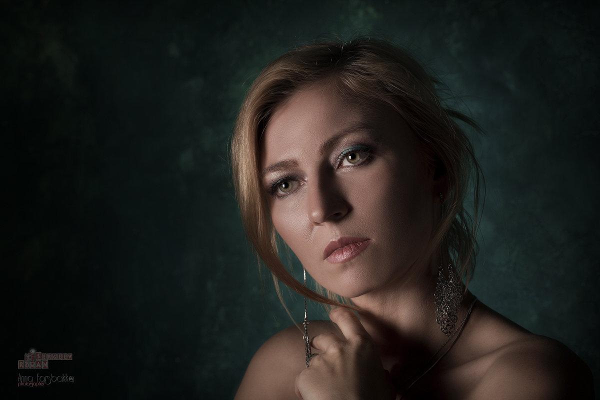 Портрет девушки - Roman Sergeev