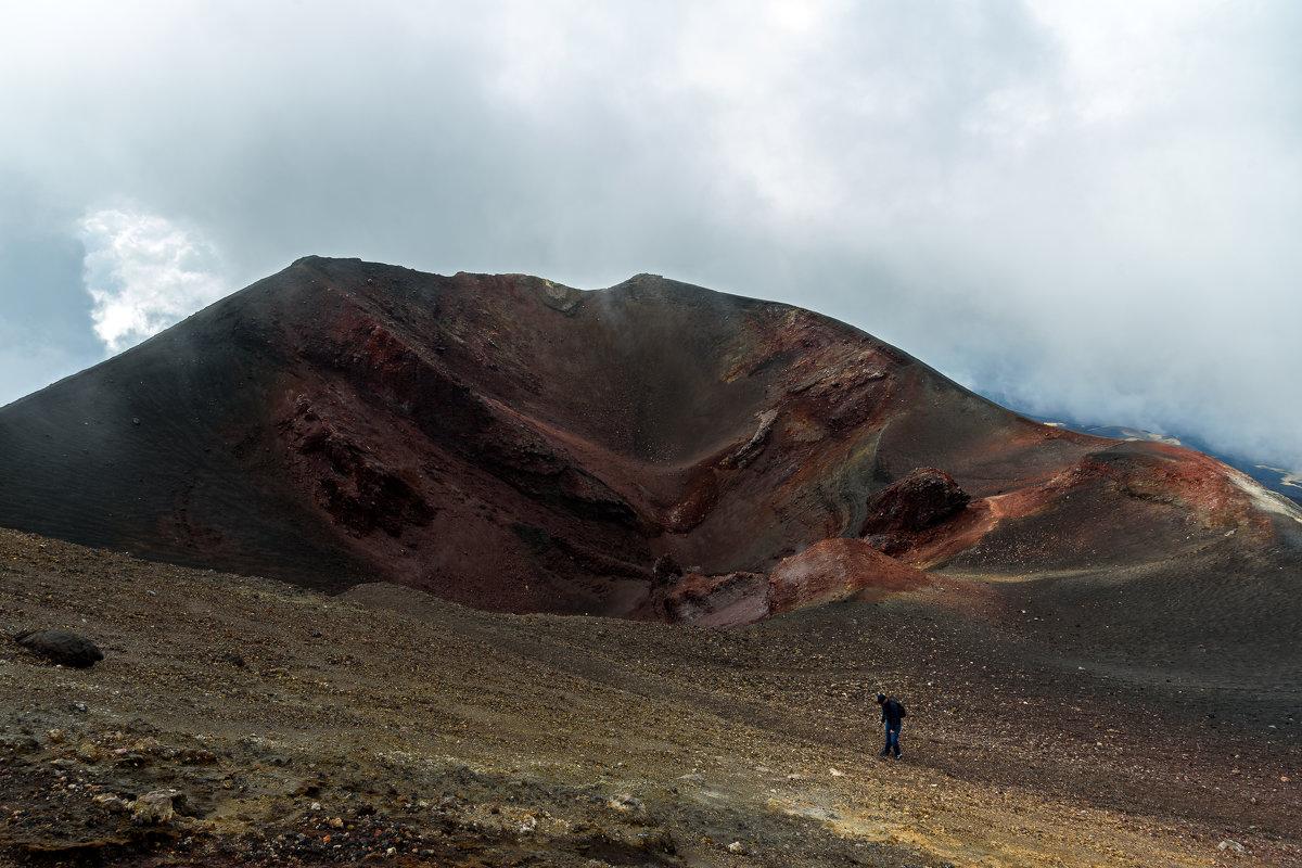 Наедине с вулканом.. - Виктор Льготин