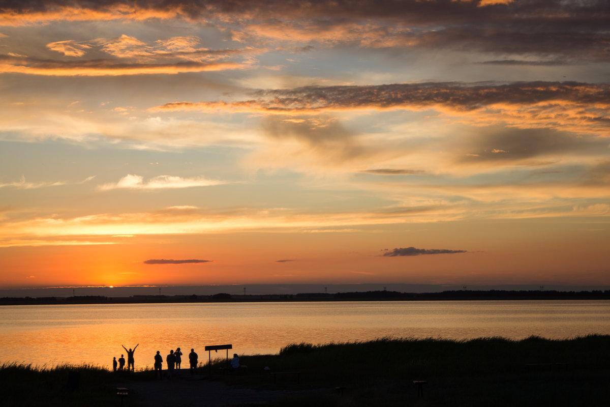Закат над озером - Елена Исхакова