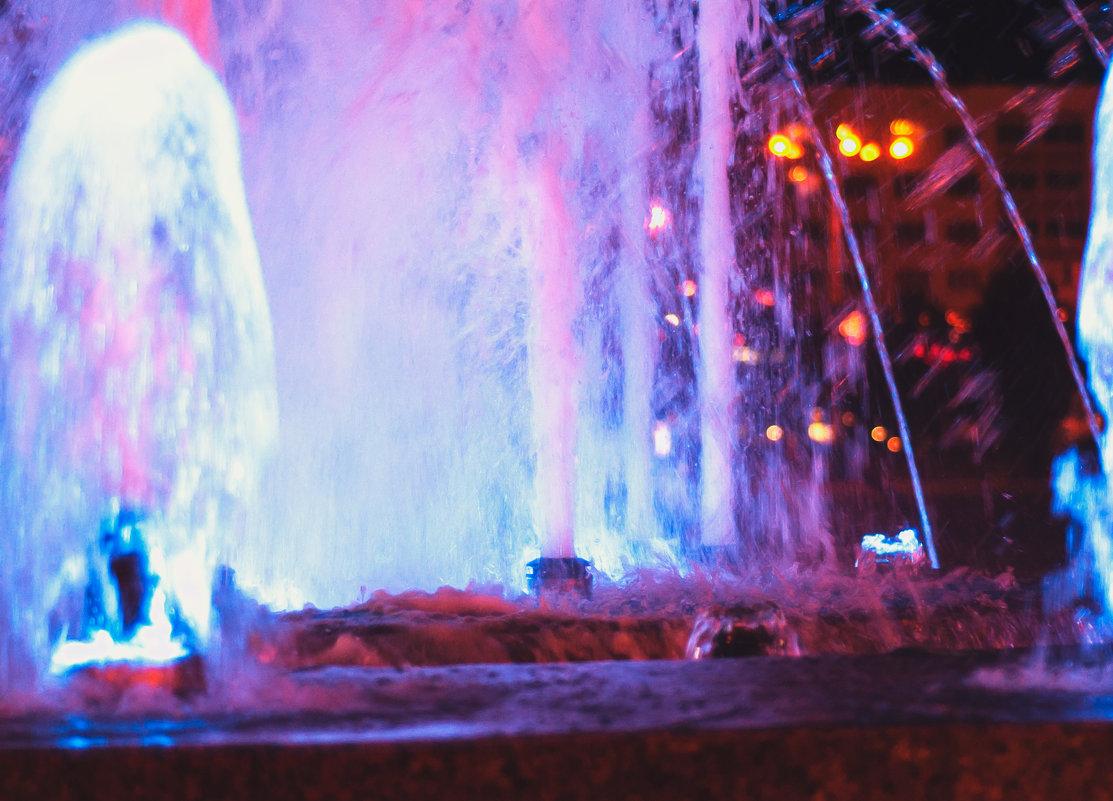 Ночной фонтан - kot raz