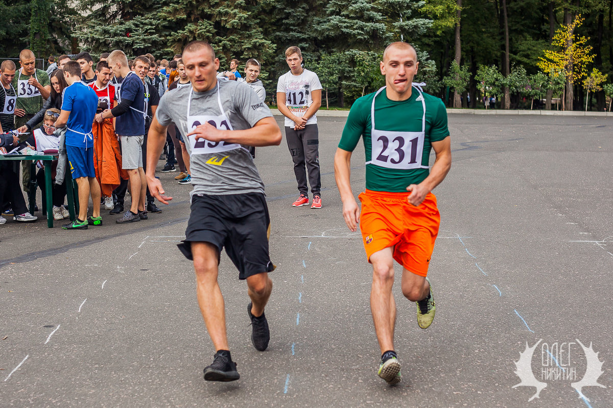 челночный бег - Олег Никитин
