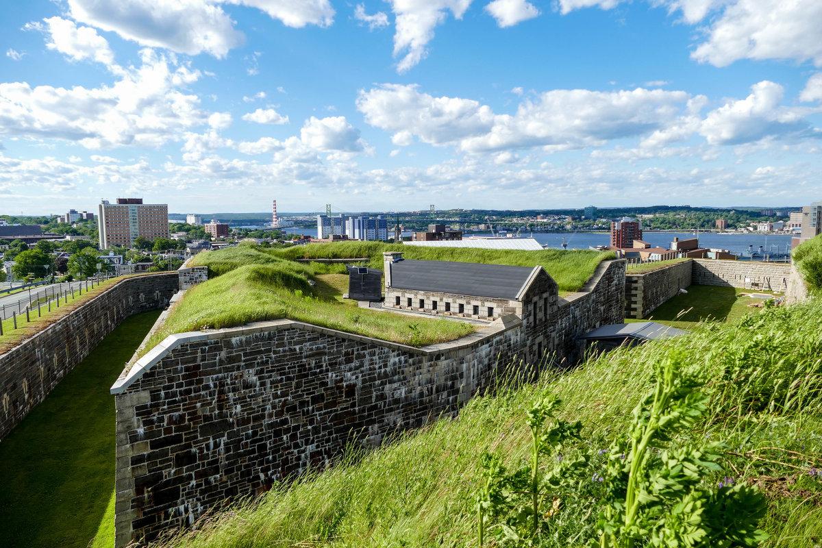 Один из многочисленных углов крепости Цитадель (Галифакс, Канада) - Юрий Поляков