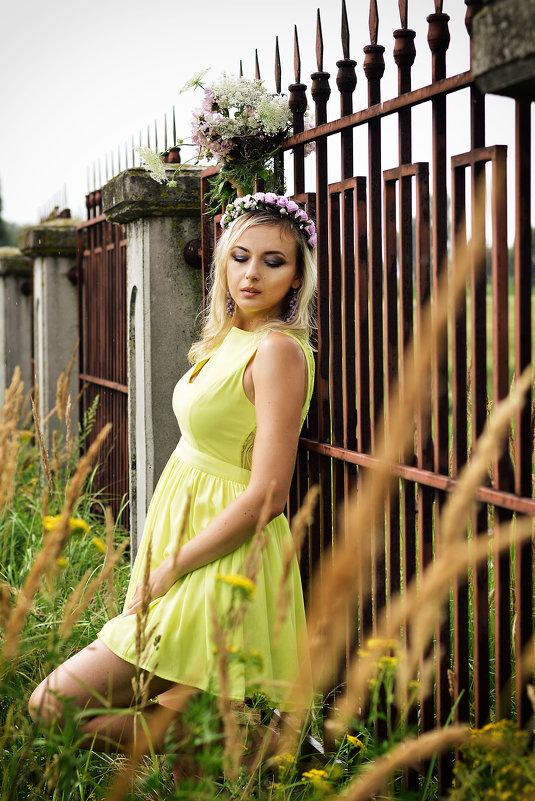 Анюта - Елена