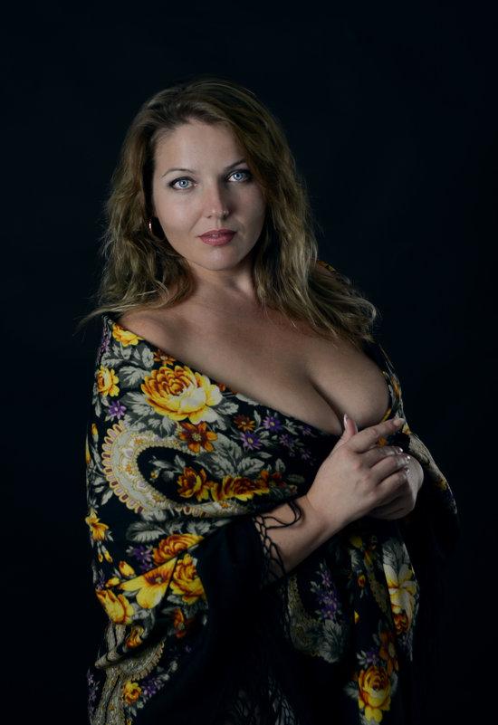 Русский платок - Ирина Голубятникова