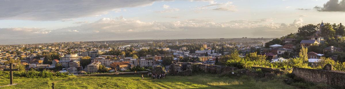 город Кутаиси на закате - Лариса Батурова
