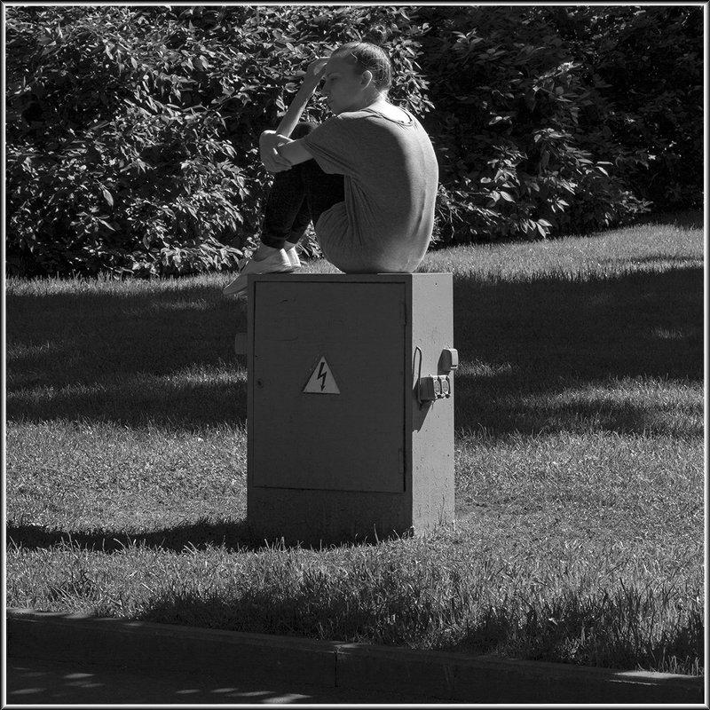 Памятник высокому напряжению - Михаил Розенберг