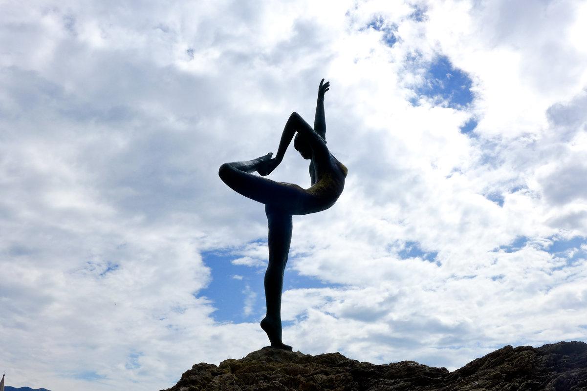 Знаменитая статуя танцовщицы-рыбачки - Светлана Игнатьева