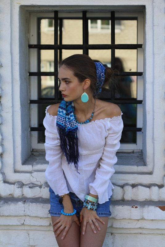 у окна - Наталья Сазонова