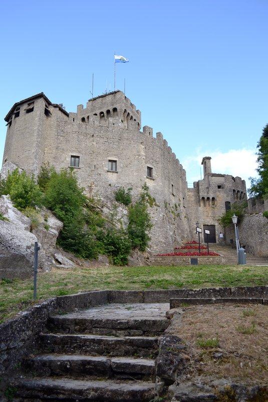 В старой крепости - Ольга
