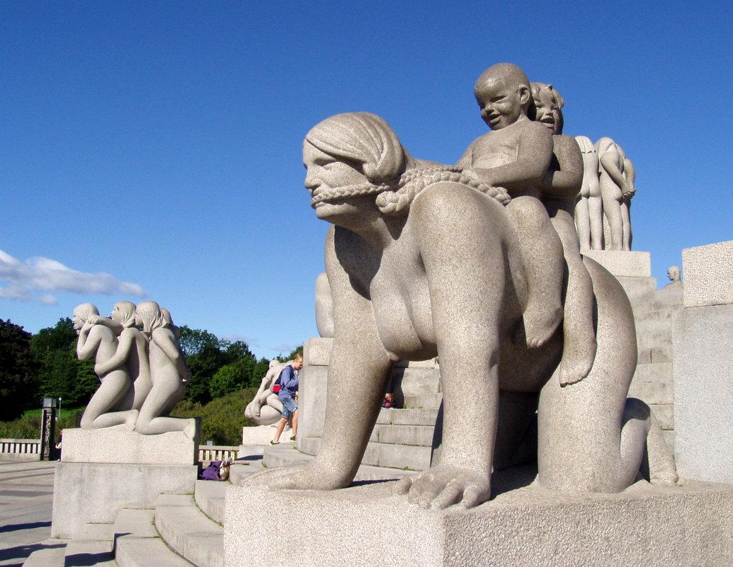 В парке Вигеланда в Осло - Лара Амелина