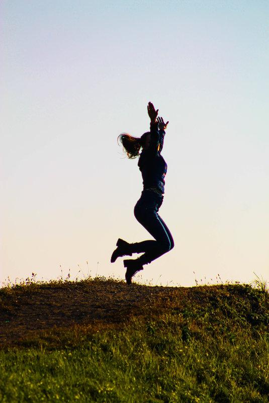 ....в прыжке... - NюRа;-) Ковылина