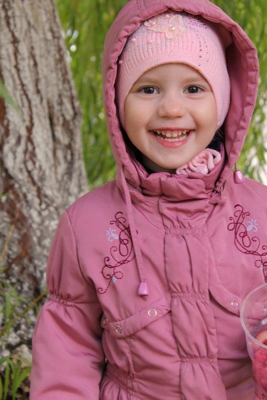 счастливое и непринужденное детство - Анна Шишалова