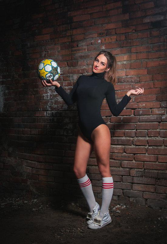 Спортсменка - Roman VolkovSky