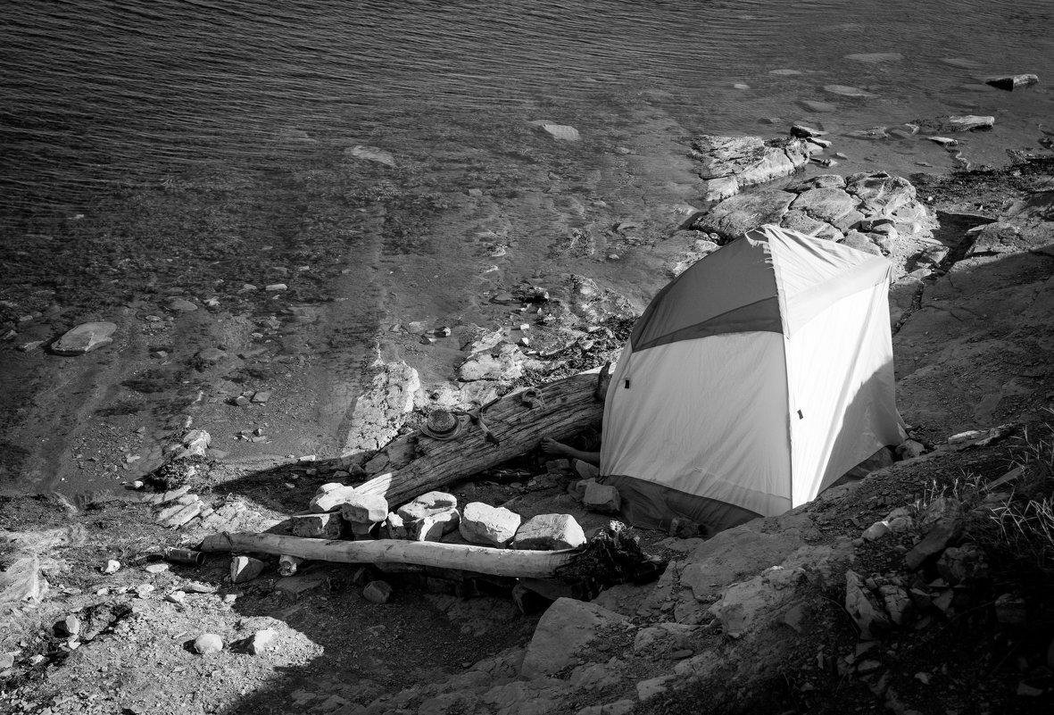 В палатке - Евгений