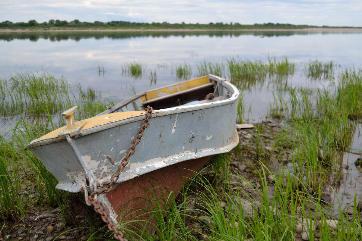 Уставшая лодка - Александр