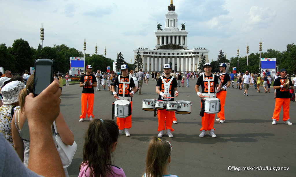 ритм барабанов - Олег Лукьянов