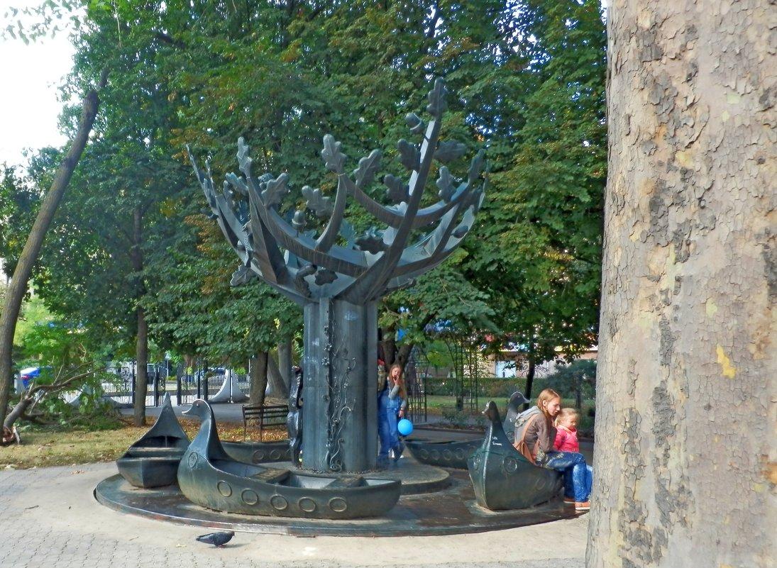 дерево - Люша