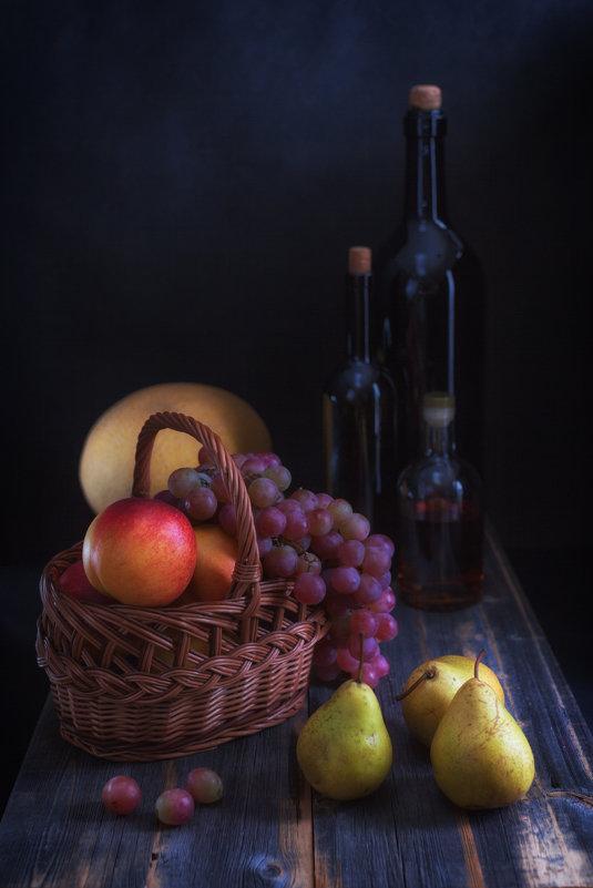 Натюрморт с виноградом и грушами - Анатолий Тимофеев