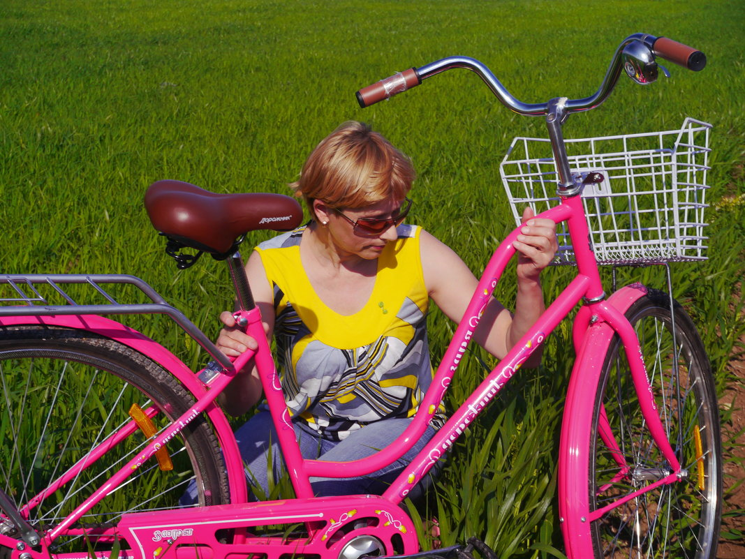 с розовым велосипедом - Андрей Козлов