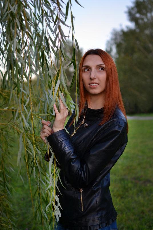Портрет - Ванда Азарова