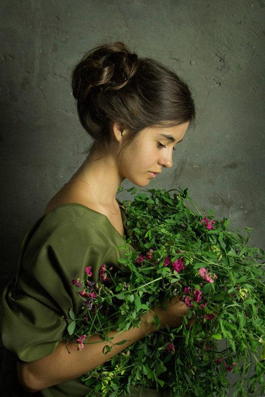 Девочка с букетом - Светлана Колимбет