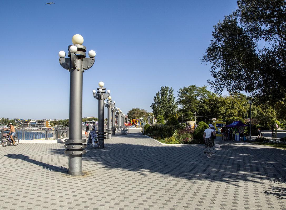 Городская набережная - Gennadiy Karasev