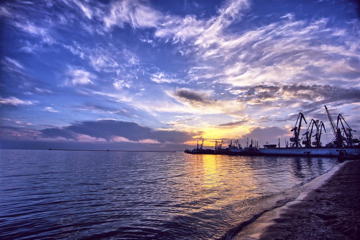 Ласковое Азовское море... - Александр Сергеевич