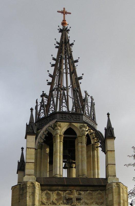 Колокольня церкви Петра и Павла - Вера Щукина