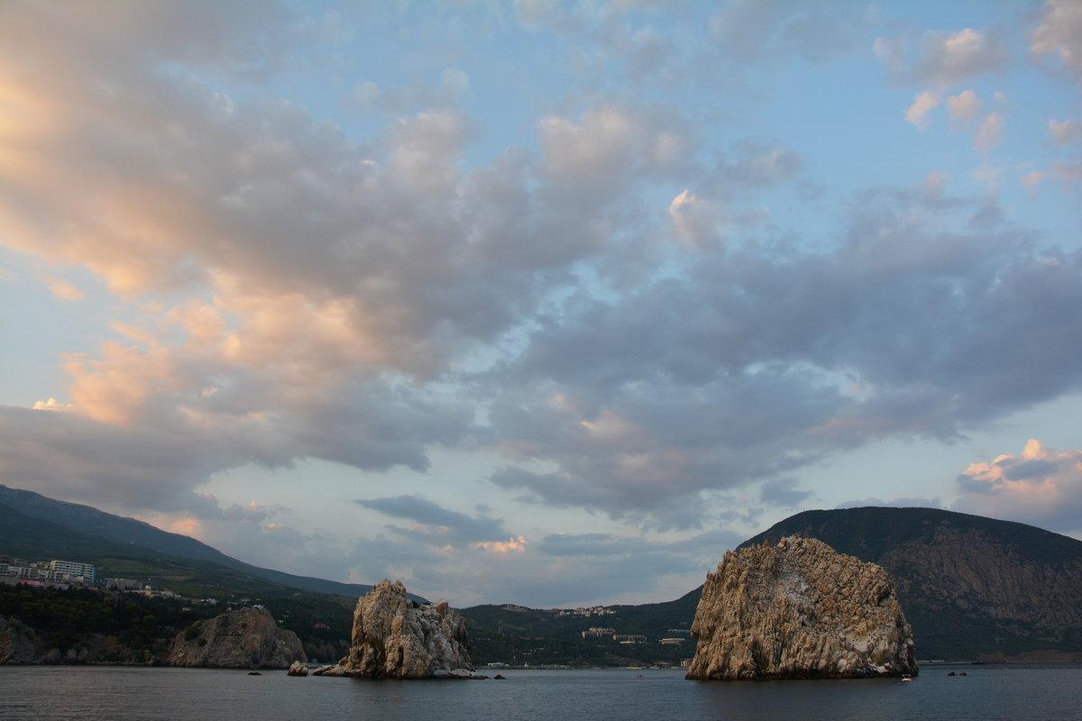 Закатное небо над Адаларами - Наталья Покацкая