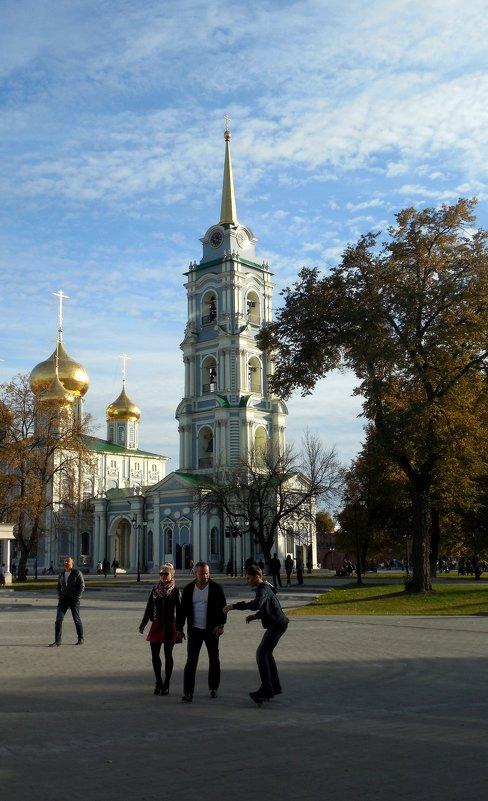 На территории Тульского Кремля - Мила