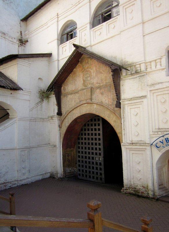 Ворота Спасо-Преображенского монастыря (Ярославль) - Павел Зюзин