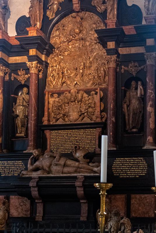 St. Lambertus Kirche Düsseldorf, Altstadt - Witalij Loewin