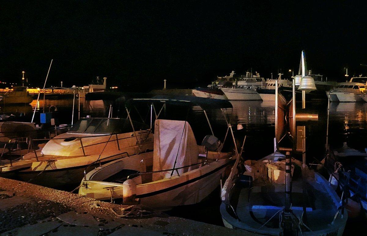 Ночные лодки в Лиманаки - Ирина Сивовол