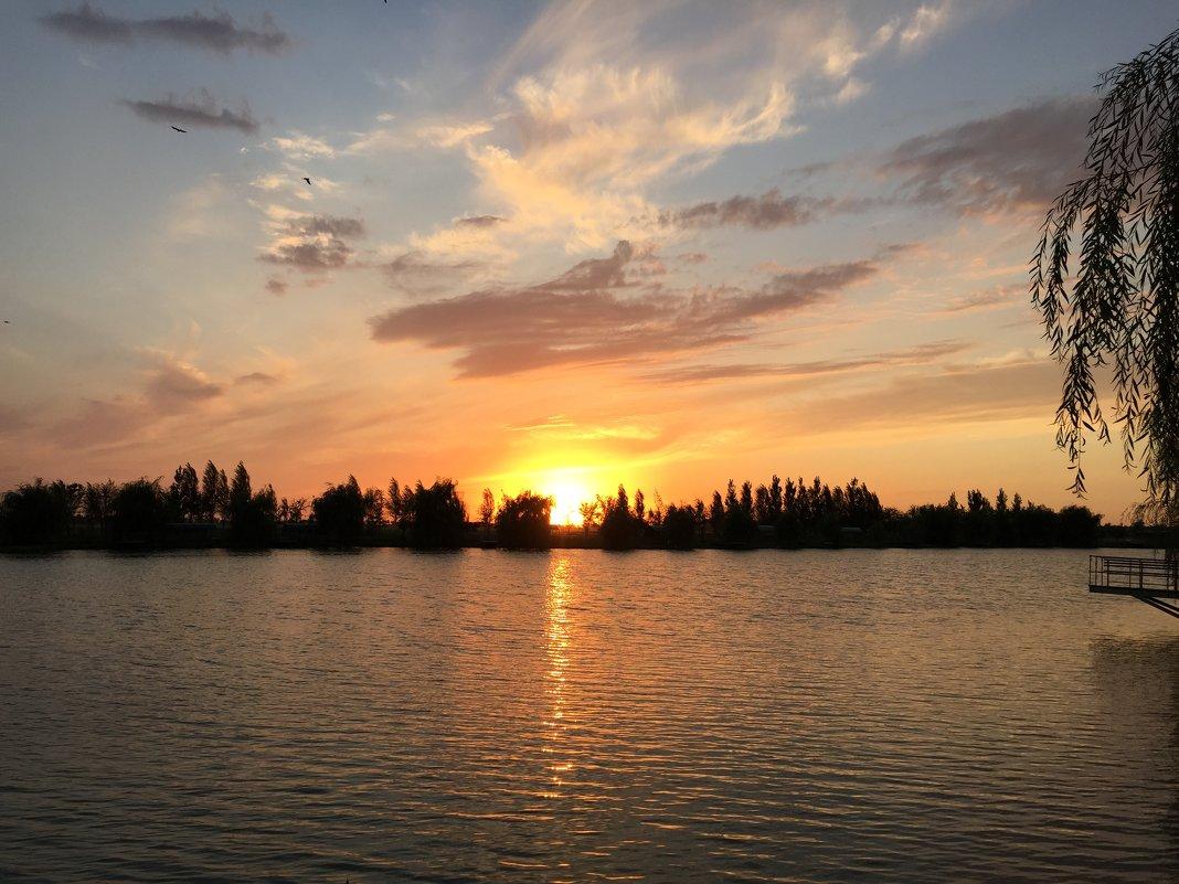 Потрясающей красоты закат - Наташа Федорова