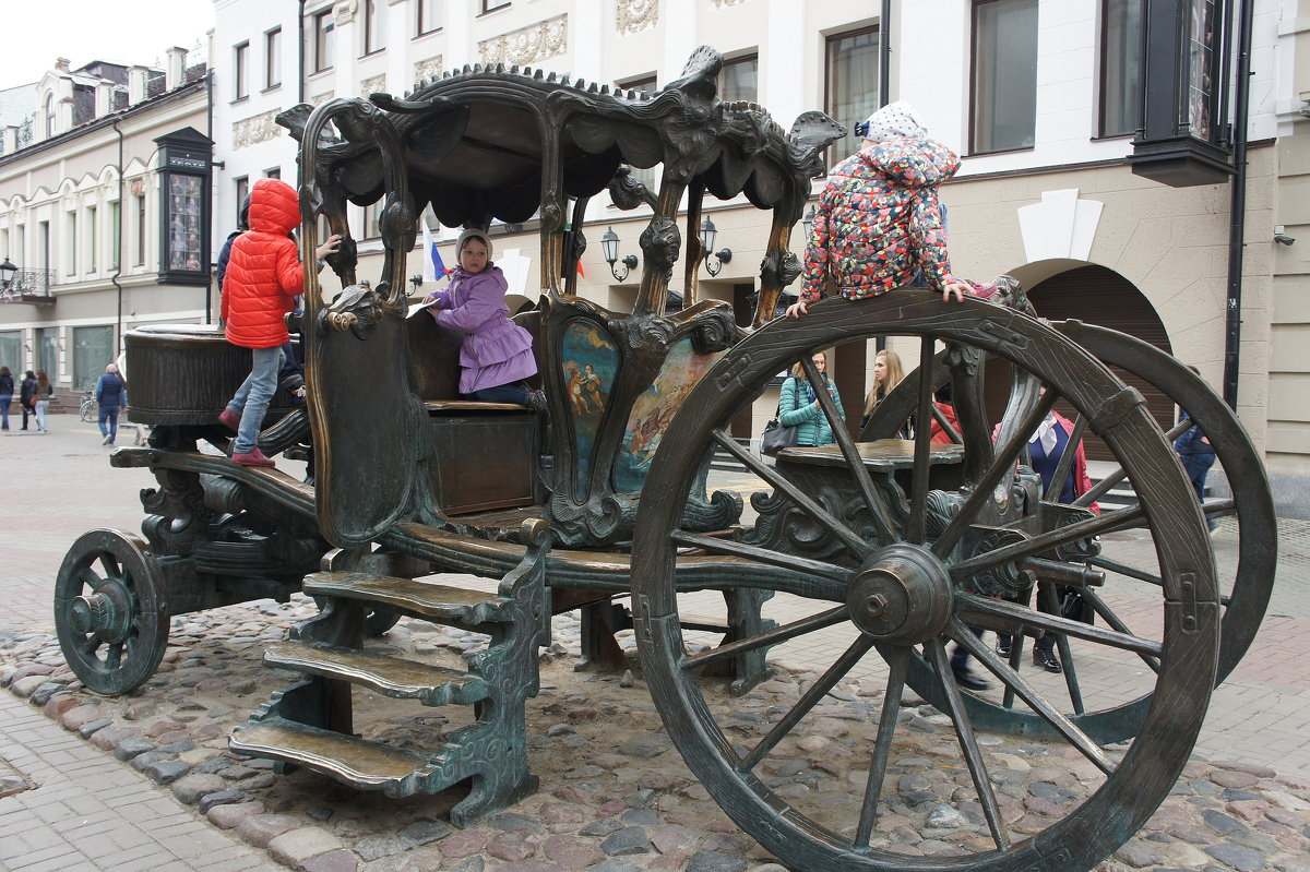 Памятник карете Екатерины Великой, на которой императрица посещала Казань в 1767 году - Елена Павлова (Смолова)