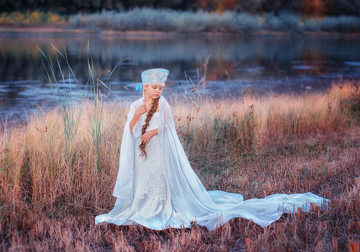 Царевна Лебедь (на берегу) - Ольга Егорова