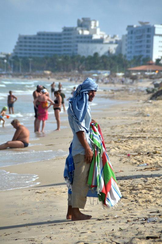 пляжный торговец - Евгений Фролов