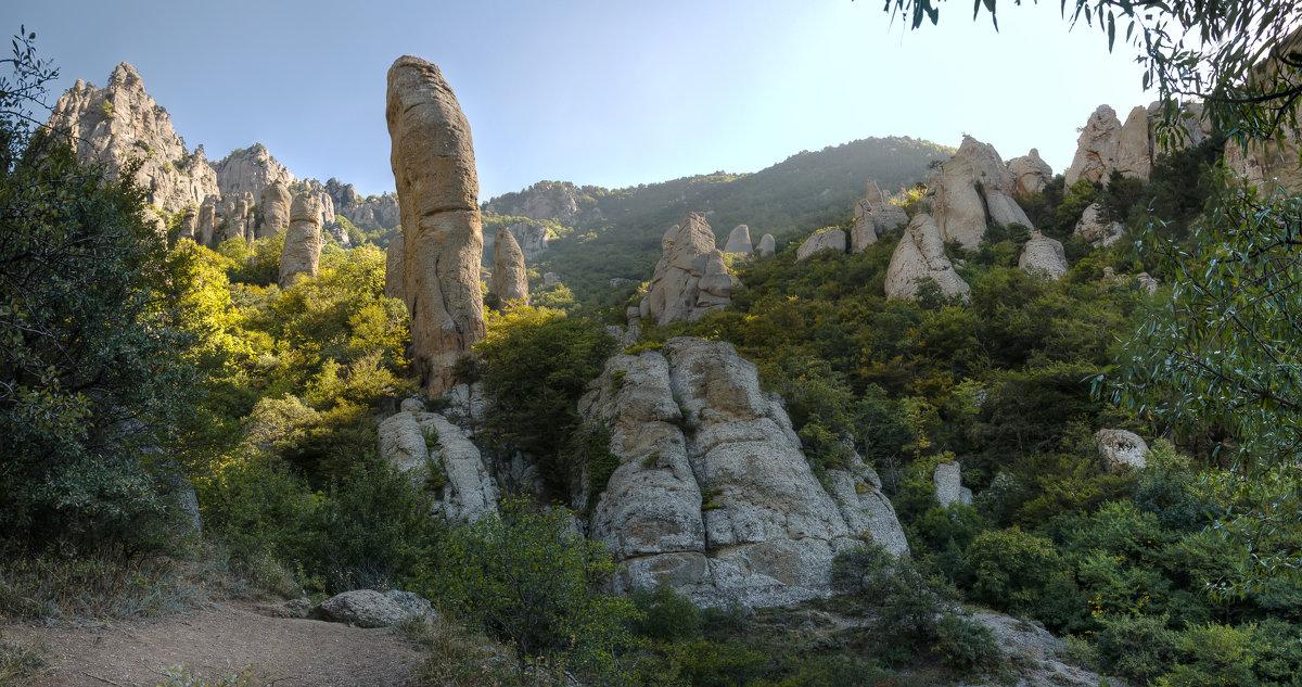 Долина приведений Демерджи. - Анатолий Щербак
