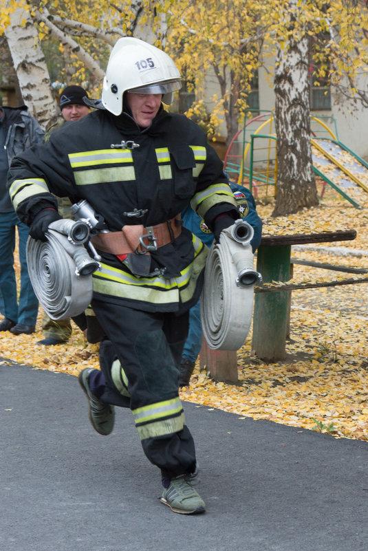Пожарный в забеге - Юлия Уткина