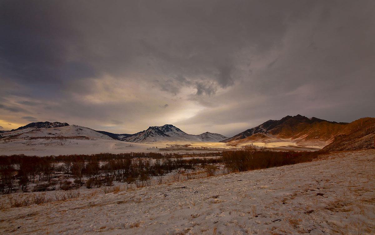 На горы зимние, взор Ваш, пусть неутомимым будет 13 - Сергей Жуков