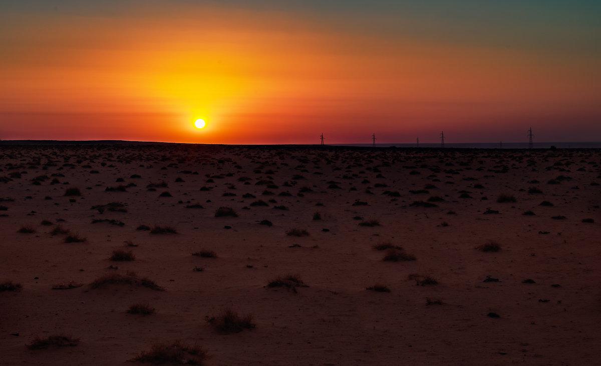 Пустыня. Последние минуты перед закатом. - Павел Голубев