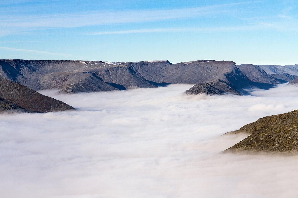 Туман в Хибинах - Александр Неустроев