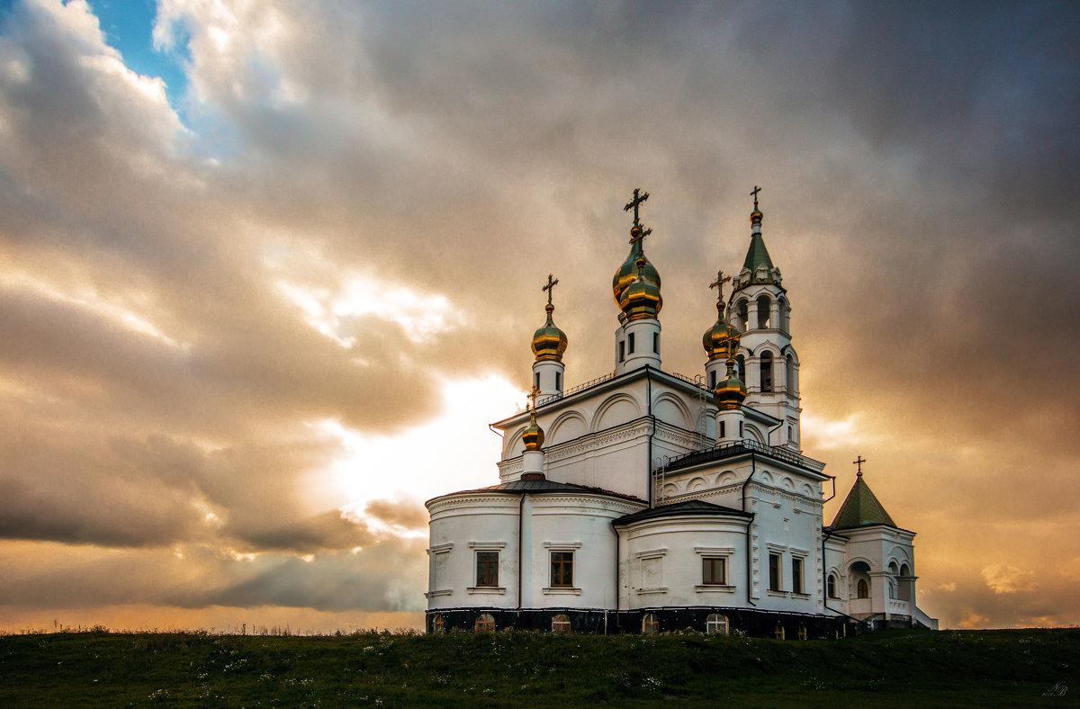 Храм во имя святых Божьих строителей - Nataliya Belova