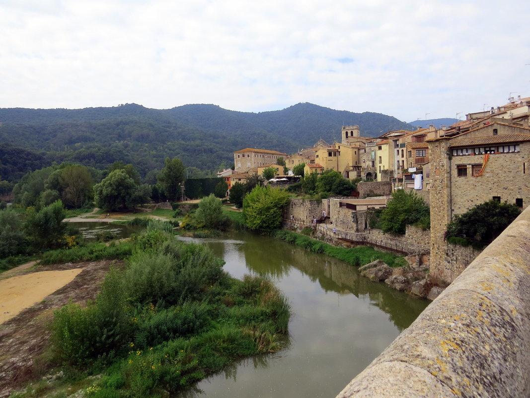 Испания.Древний город Бесалу - Маргарита