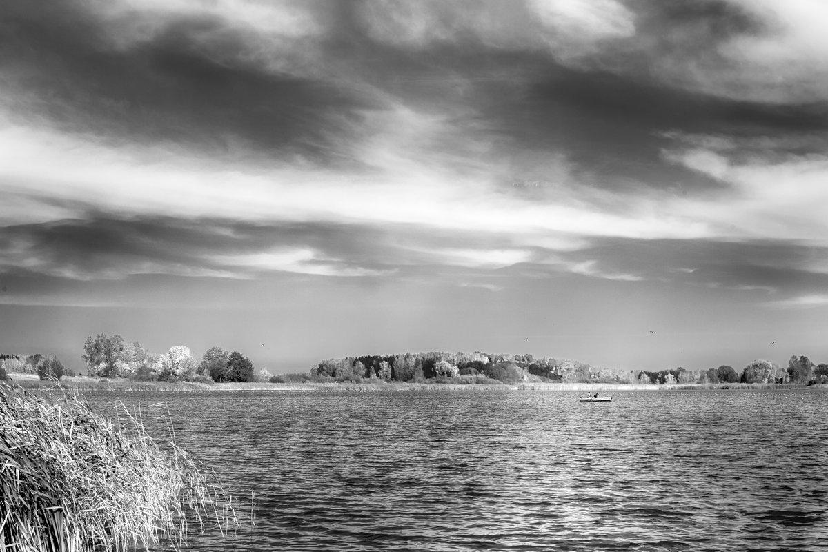 Осенний день на озере. - Игорь Ринкевич
