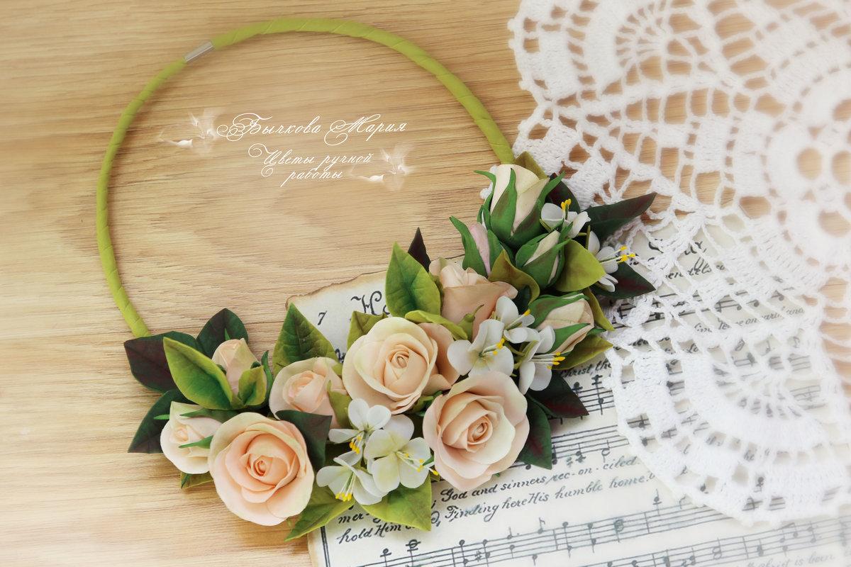 Цветочное колье с розами и яблоневым цветом - МАРИЯ БЫЧКОВА