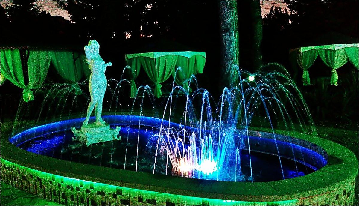 Вечерний фонтан - Нина Корешкова