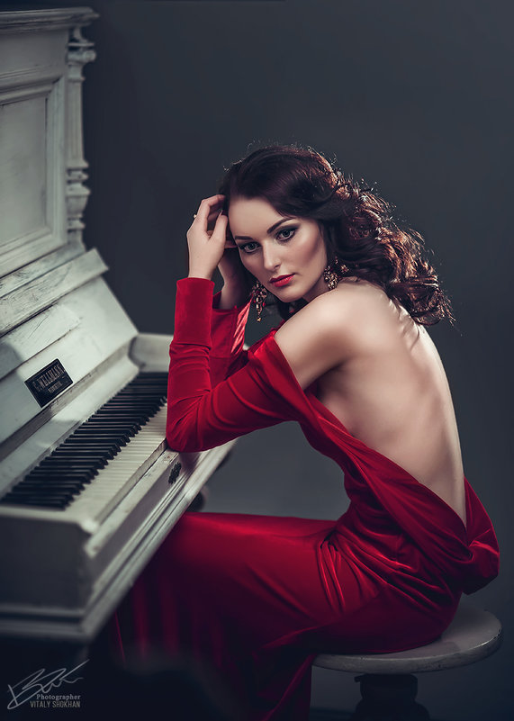 Lady in red - Vitaly Shokhan