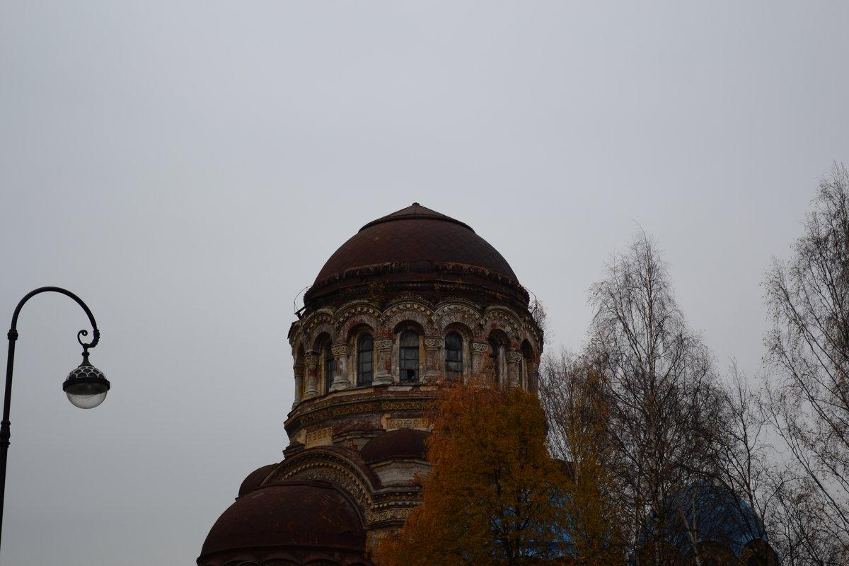 Заброшенный храм - Александр Зенченко