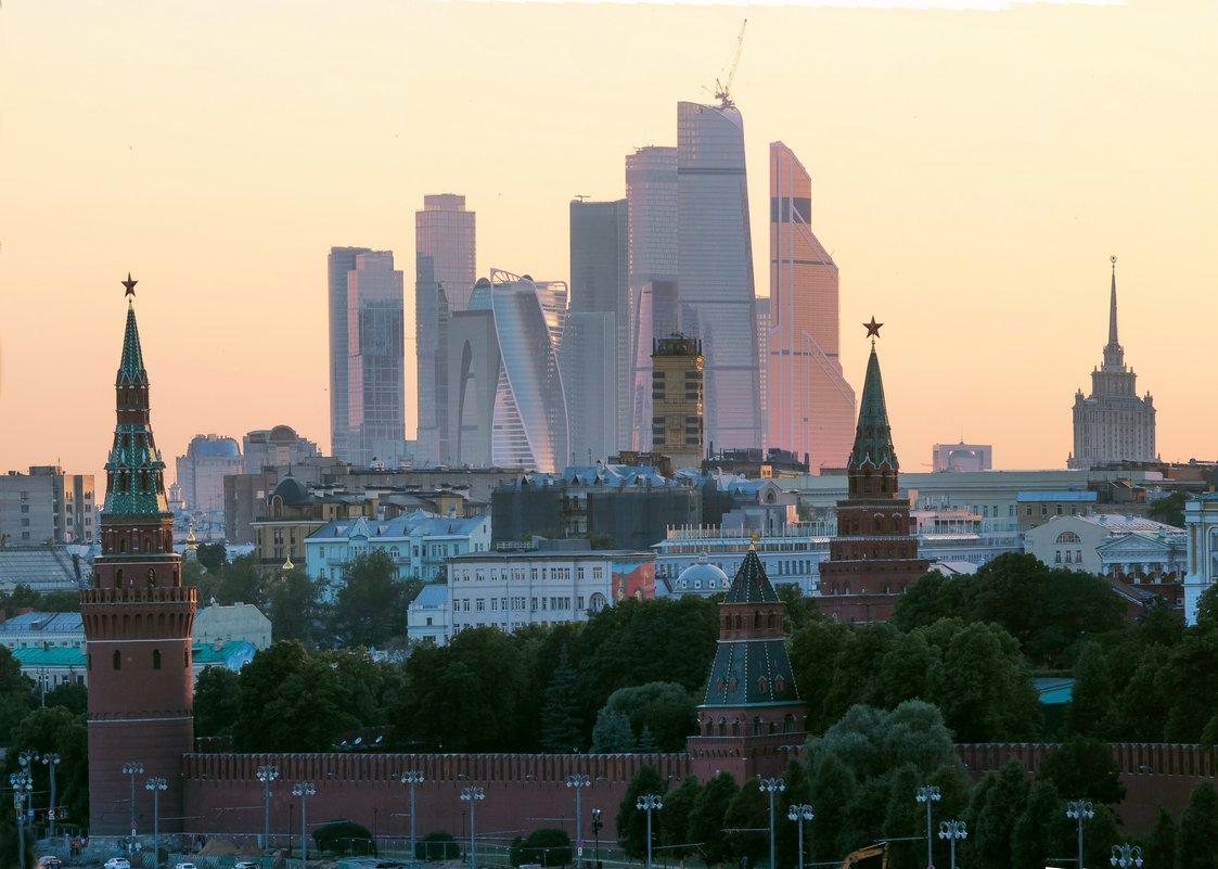 Кремль-контражур II - Виталий Авакян